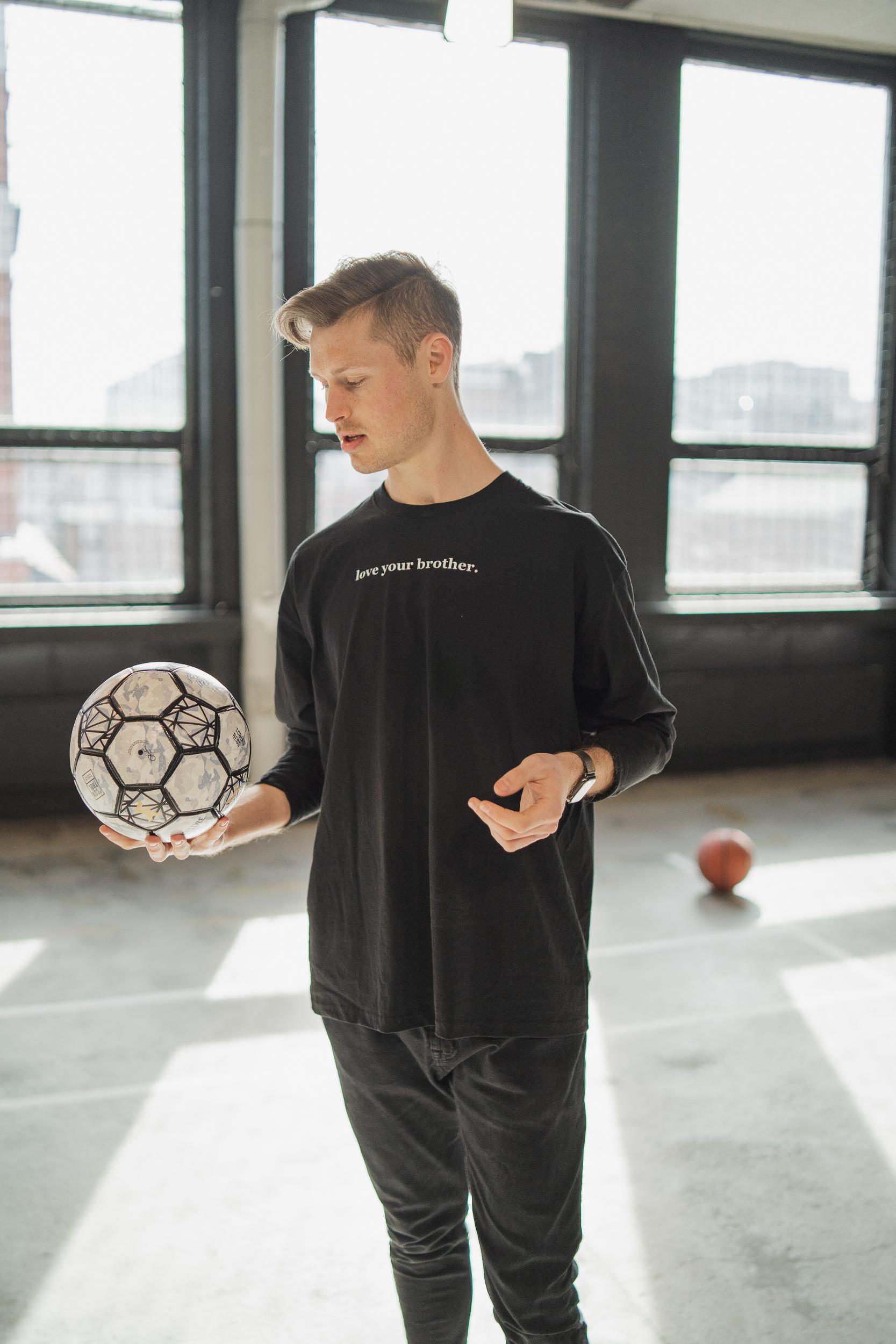 Tobias Becs, Brothers Organization, Brothers, Kim Evensen, freestyle football, einar barane